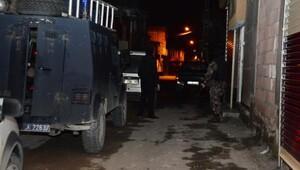 Adanada 1.2 ton esrar ile ilgili 49 kişi gözaltına alındı