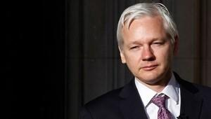Assange: Manning affedilirse ABD'ye gelirim