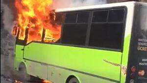 Halk otobüsü yolda alev alev...