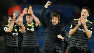 Chelsea son şapmiyon Leicester City'yi 3-0 yendi