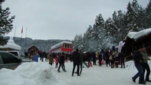 Kış Turizm Merkezi Ilgaz Yıldıztepeye doğasever akını