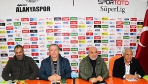 Aytemiz Alanyaspor teknik direktörü Kalpar istifa etti (3)
