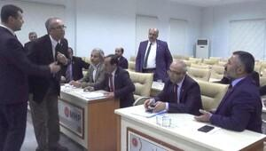 Bilecikteki İl Genel Meclisinde Isırık tartışması