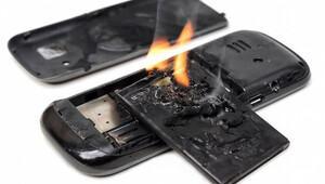 Yanmayan telefon pilleri geliyor