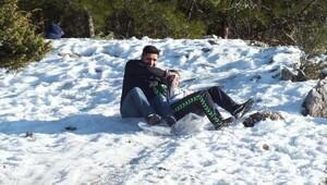 Çamalanında kar keyfi