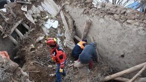 Aksarayda ağılın tavanı çöktü: 5 küçükbaş telef oldu