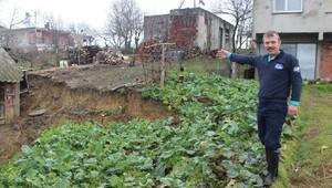 Kaynarcada toprak kayması