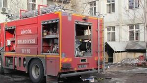 Bingöl Devlet Hastanesi ek binasında duman tahliyesi