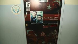 Okul kapıları Türk bayrakları ve 15 Temmuz kahramanları ile süslendi