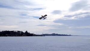 Buz tutan Mogan uçak pisti oldu