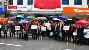 CHPli kadınlardan ayağa kalkıyoruz eylemi