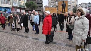 Balıkesirde CHPli kadınlar eylemi sürdürdü