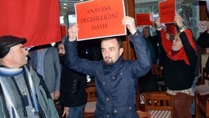 Bodrumda da anayasa değişikliğine karşı CHPlilerden eylem