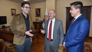 Mersin Valisi sosyal medyadaki takipçileri ile kahve içti
