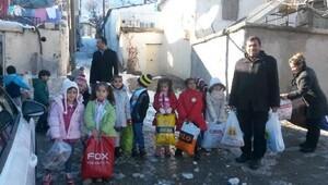 Besni'de anaokulu öğrencilerinden Suriyelilere yardım