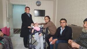 Engelli Furkan'a tekerlekli sandalye