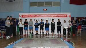 """Arnavutköy Belediyesi """"Halter Turnuvası"""" ile genç sporculara destek oluyor"""