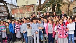 Beşiktaşın eski kalecisi Fevzi çocukları sevindirdi