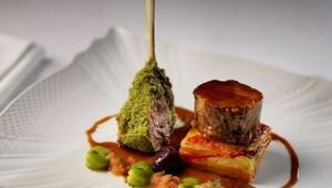 Şık bir akşam yemeği için gidebileceğiniz otel restoranları