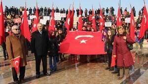 Sivasta öğrenciler Demokrasi ve Adalet için yürüdü