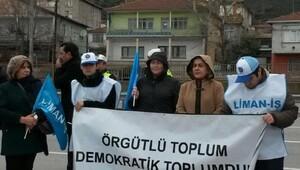 Limandaki işlerinden çıkarılan işçilerden tepki
