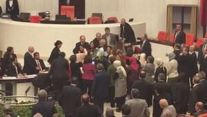 HDPli ve AK Partili kadın vekiller birbirine girdi