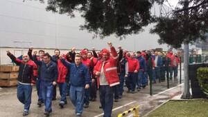 2 bin 200 işçi greve gitti