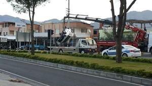 Zincirleme trafik kazası güvenlik kamerasında