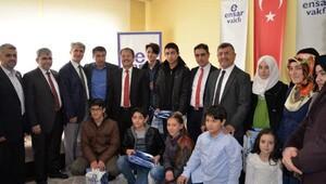 Akdoğan, TEOG şampiyonlarını ödüllendirdi