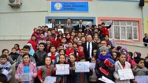 Erbaalı öğrenciler karne sevinci yaşadı