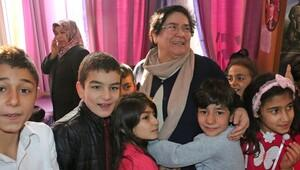 46 yıllık öğretmen, gözyaşlarıyla emekli oldu