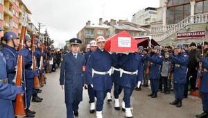 Kırgızistanda düşen kargo uçağında ölen teknisyen Eskişehirde toprağa verildi