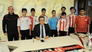 Samsunsporun futbol şehitleri anısına anıt yapılacak