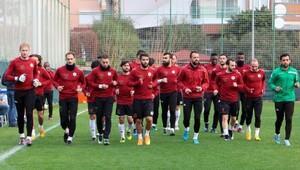 Aytemiz Alanyasporda Beşiktaş maçı hazırlıkları sürüyor
