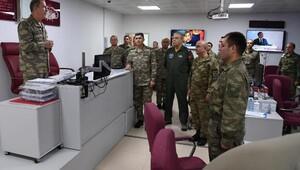 Genelkurmay Başkanı Akar, sınır hattında