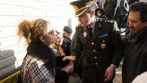 Kırgızistanda düşen uçağın pilotu Ayvalıkta toprağa verildi