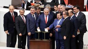 Anayasa değişiklik teklifinin altı maddesi daha kabul edildi