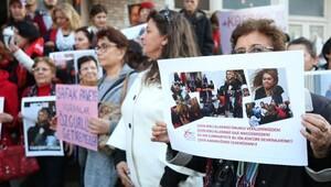 CHP'li kadınlardan Meclis'teki kavgalara ilginç protesto