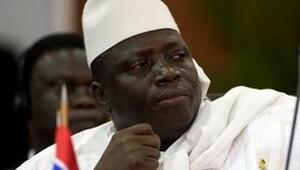 Gambiyada eski başkan görevi devretmeyi kabul etti