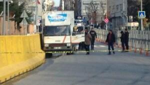 (yeniden) İstanbul Emniyet Müdürlüğü önünde hareketli dakikalar