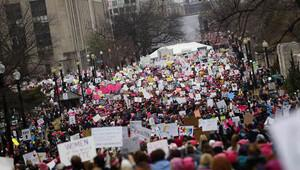 Trump karşıtı kadınlar sokağa indi