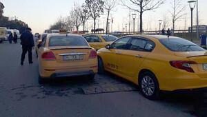Kuyruk oldular... İstanbul'da taksilerde yeni dönem başladı
