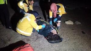 Kazada yaralan çift, 5 saat sonra donmak üzereyken bulundu