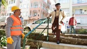 97lik Bekir dede yeniden sokağa çıktı