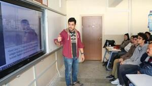 Üniversiteler İzmirin tarihini liselilere anlattı