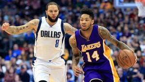 Lakers tarihinin en ağır yenilgisini aldı