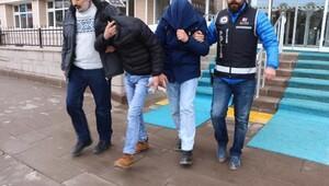 Sokakta uyuşturucu satan 2 kişi tutuklandı