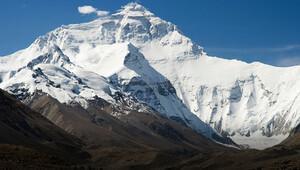 Everestin yüksekliği yeniden ölçülecek