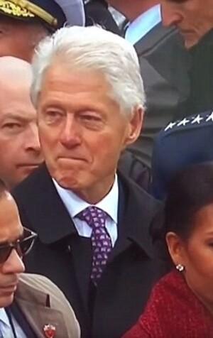 Clinton eşini böyle yakaladı