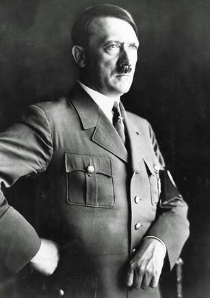 Hitler'in evini son kez görmek için akın ediyorlar